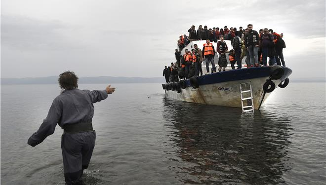 Supreme Court throws the book at three people smugglers
