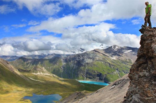 Διασχίζοντας τις Αλπεις με τα πόδια